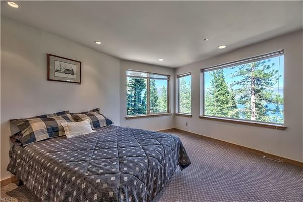 Luxury properties Great Lake View home in crystal bay