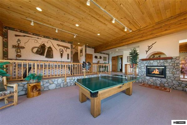 Luxury real estate Enjoy the Masterful Views of This Cave Rock Home