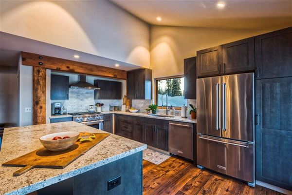 newly-remodeled, mountain modern residence luxury homes