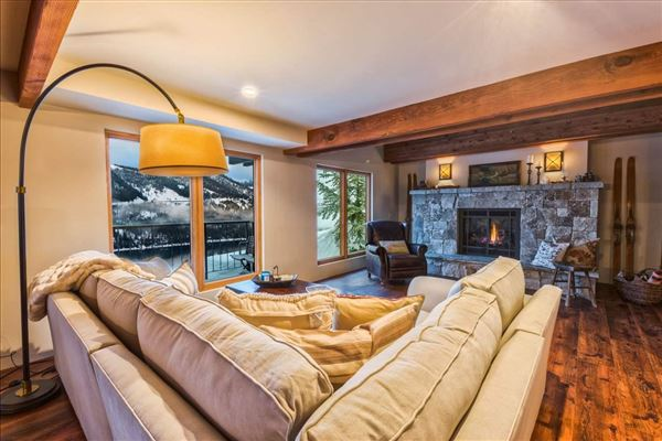 newly-remodeled, mountain modern residence luxury real estate