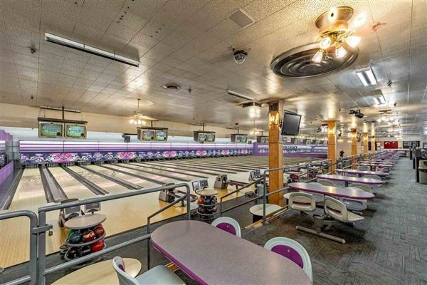 Established and growing 22 year old bowling alley mansions