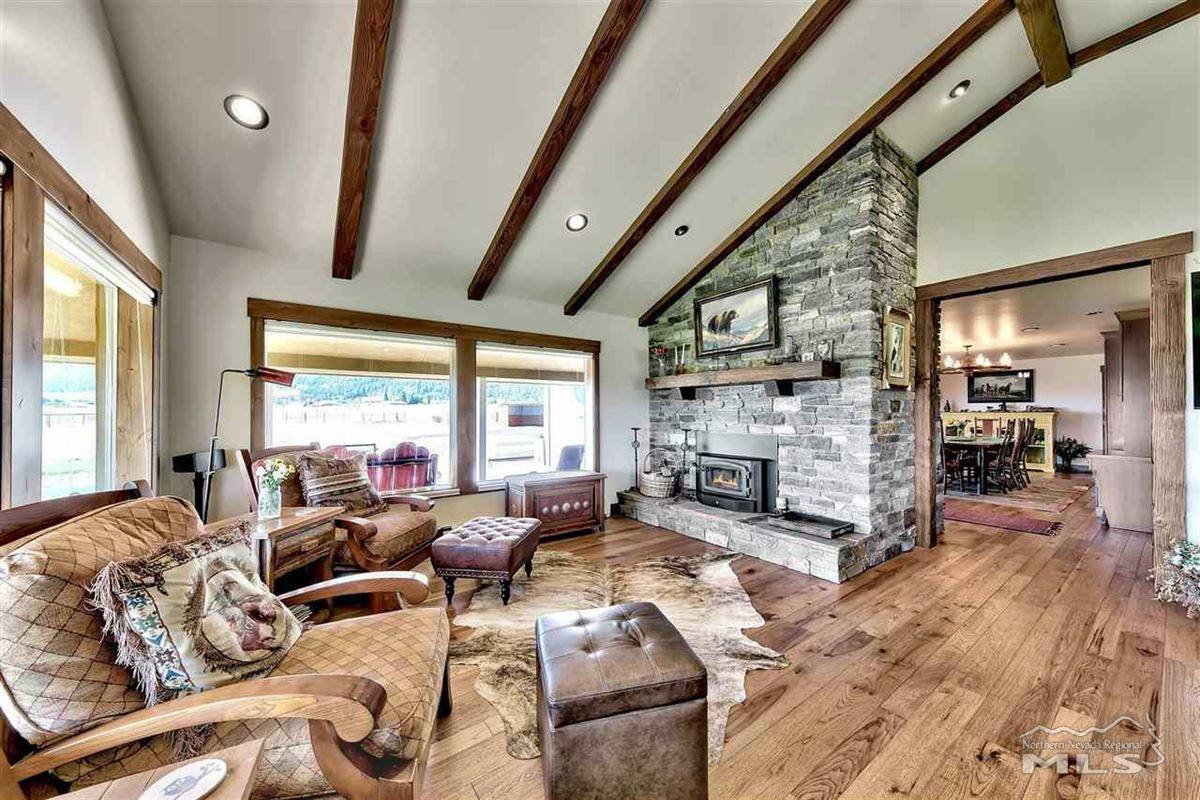 Luxury real estate Elegant ranch home on 20 acres
