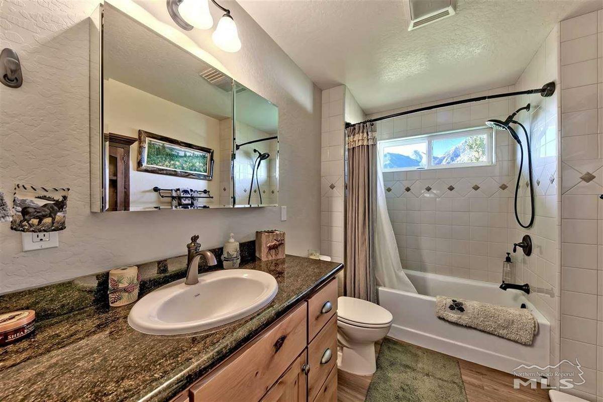Luxury properties Elegant ranch home on 20 acres