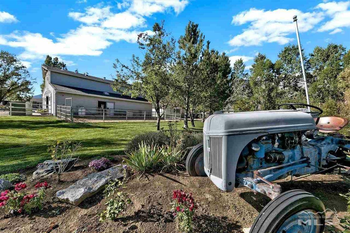 Mansions Elegant ranch home on 20 acres