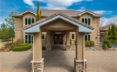 Luxury homes in Stunning Retreat
