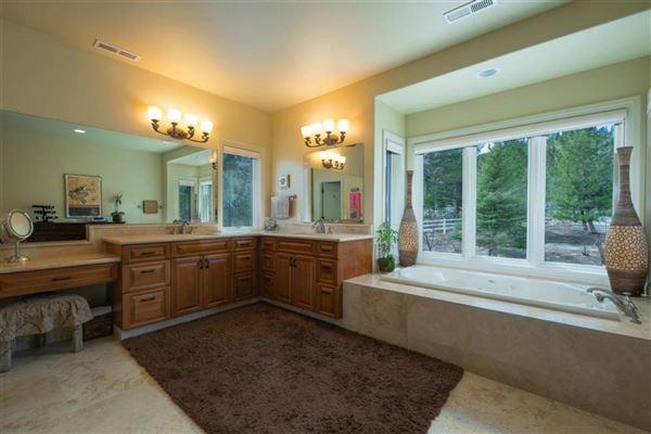 Luxury real estate Stunning Retreat