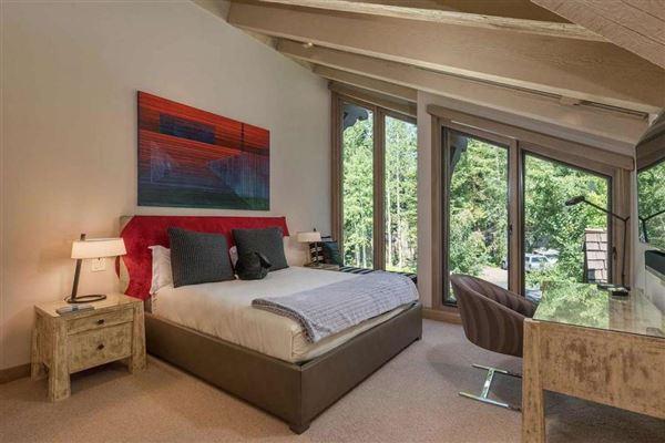 Mansions Striking updated Homewood residence