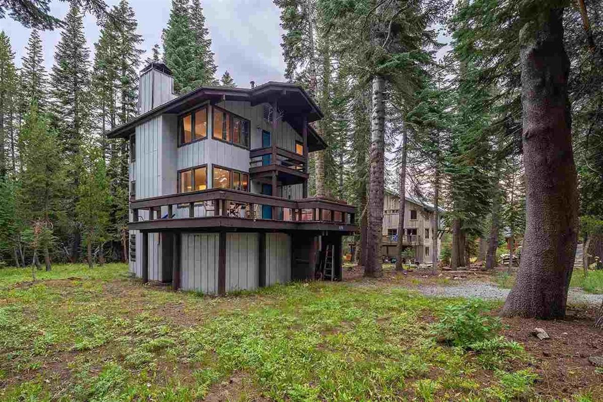 Luxury homes this Charming cabin is ready for its new owner