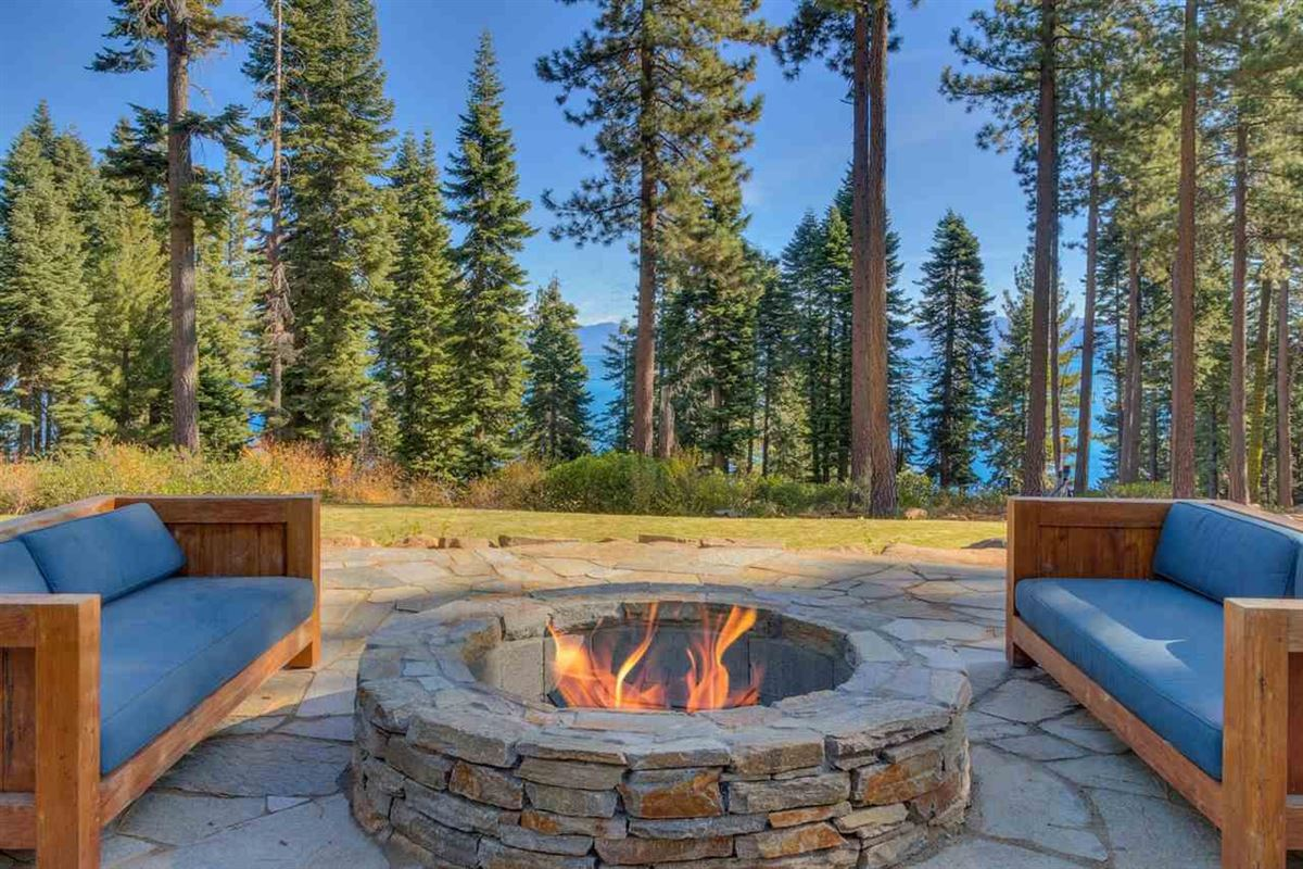 lake view eight-acre property luxury homes
