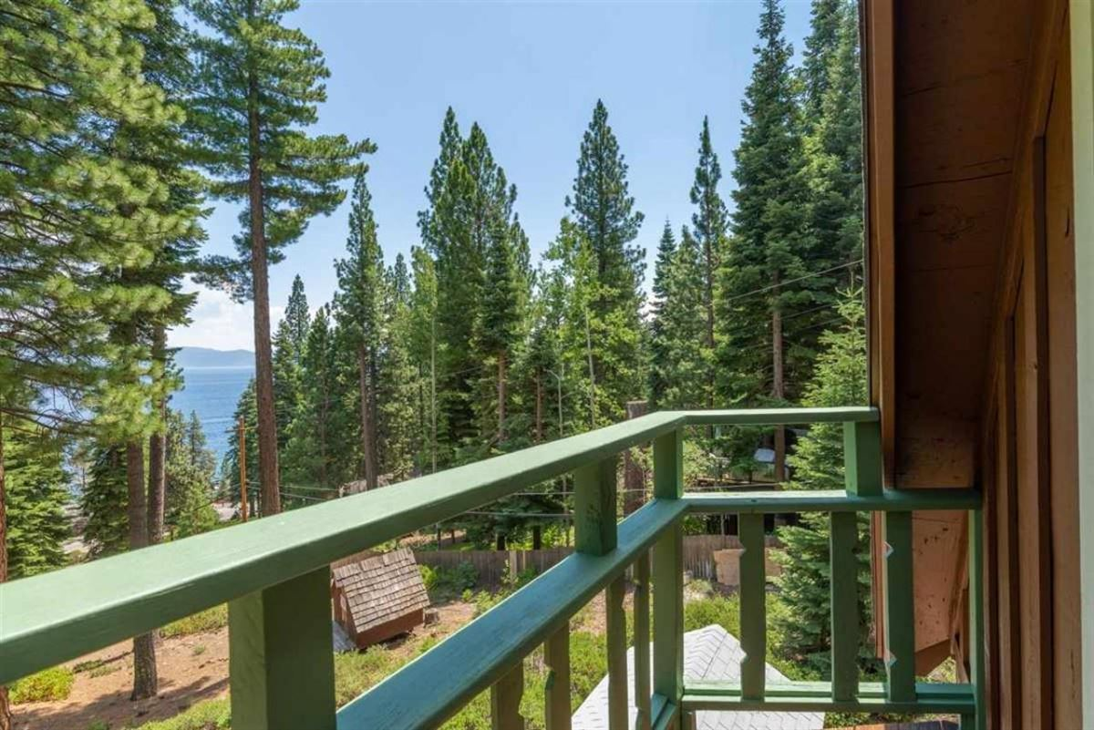 Luxury homes in Lakeview Old Tahoe home
