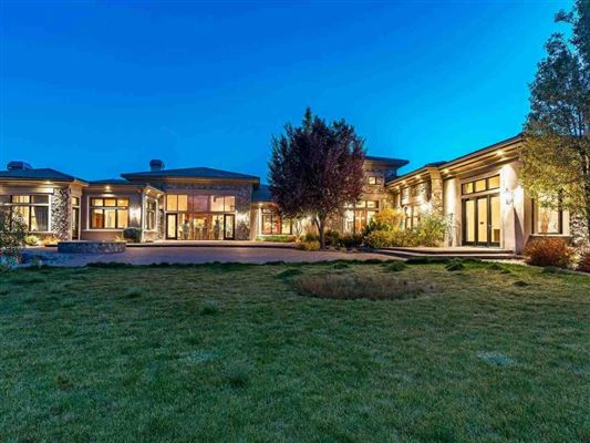 Mansions home on two acres in exclusive gated community