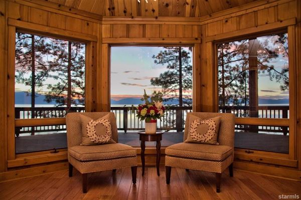 Luxury homes in Lakefront Estate on the Nevada Side of Lake Tahoe