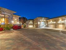 Luxury homes in easy, exquisite living