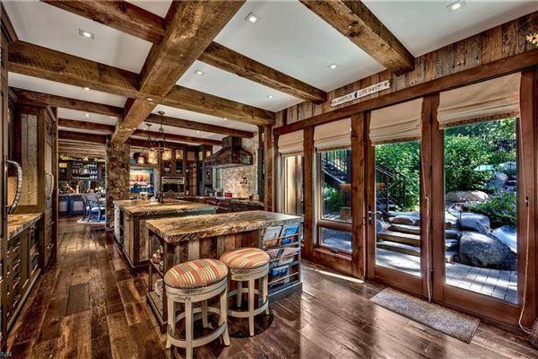 Tahoe Rustic Luxury in prestigious location mansions