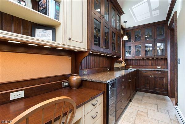 Fabulous Colonial Revival  luxury properties