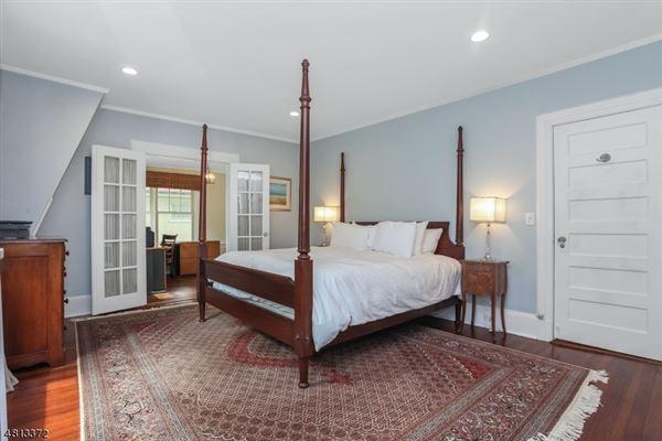 Luxury homes in Welcome to 67 Oak Ridge