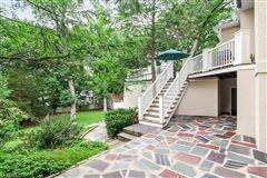 Luxury properties Welcome to 67 Oak Ridge
