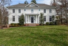 Classic 2006 Colonial in Woodland Park mansions