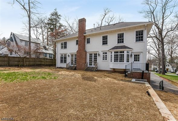Classic 2006 Colonial in Woodland Park luxury properties