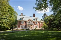 classic Georgian Colonial  mansions