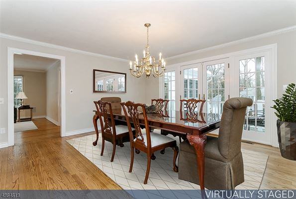 Mansions six bedroom Colonial home