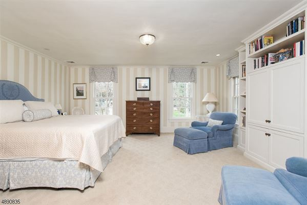 Fully Renovated Colonial in New Jersey mansions