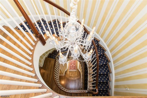Luxury homes Fully Renovated Colonial in New Jersey