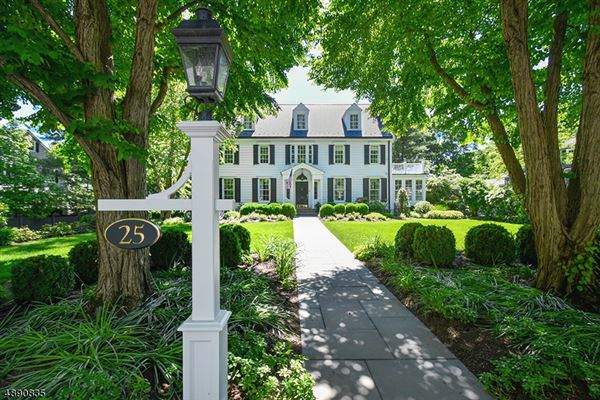Mansions Fully Renovated Colonial in New Jersey