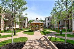 Luxury homes in luxury duplex in new development