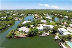 The perfect Sanibel location mansions