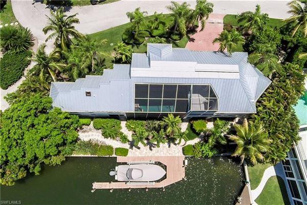 Luxury properties The perfect Sanibel location