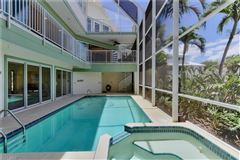 Mansions in The perfect Sanibel location