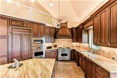 The perfect Sanibel location luxury homes