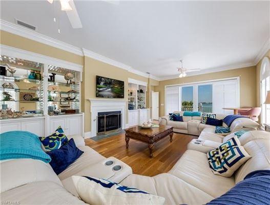 Luxury homes Magnificent landmark estate