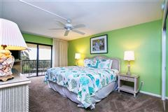 bright three bedroom gulf-front unit luxury homes