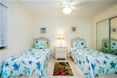 Mansions bright three bedroom gulf-front unit