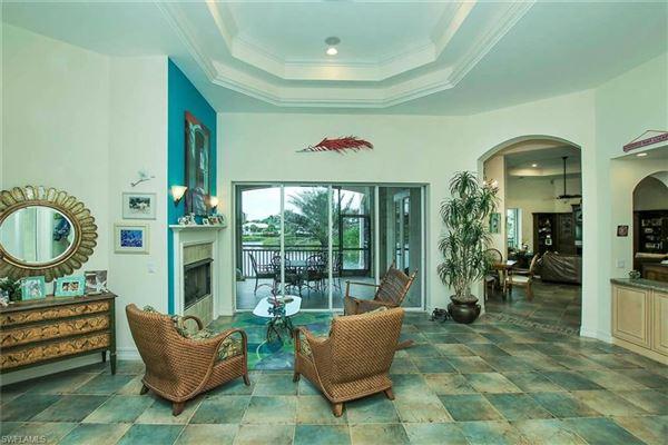Luxury homes in Sanibel living at its best