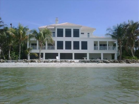 Luxury homes in Spectacular Bayfront home on Lighthouse Way