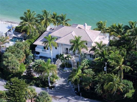 Mansions in Spectacular Bayfront home on Lighthouse Way