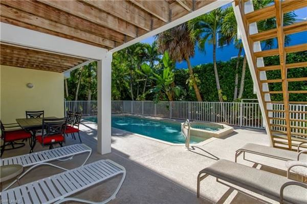 Luxury real estate Your perfect Island get-a-way