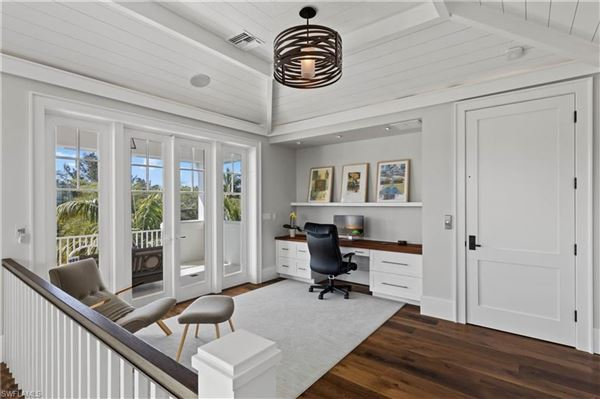 Luxury real estate Impressive home with panoramic bay views