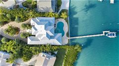Mansions Impressive home with panoramic bay views