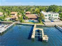 impressive waterfront estates in Fort Myers luxury real estate
