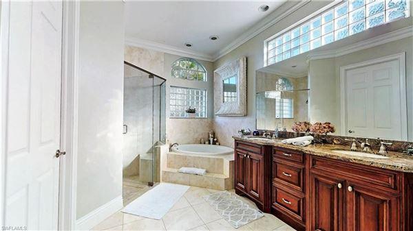 Luxury homes in immaculate home in Devonwood