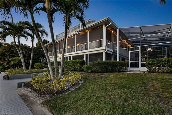 Luxury homes Finely appointed Olde Florida Style home