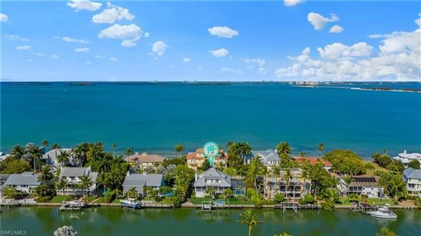 Mansions Finely appointed Olde Florida Style home