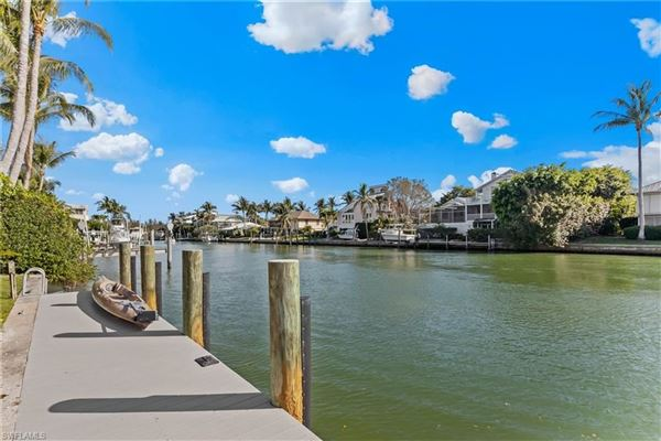 Luxury properties Finely appointed Olde Florida Style home