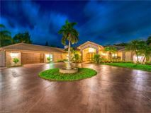 Mansions ultimate in privacy in Incredible Riverfront Enclave