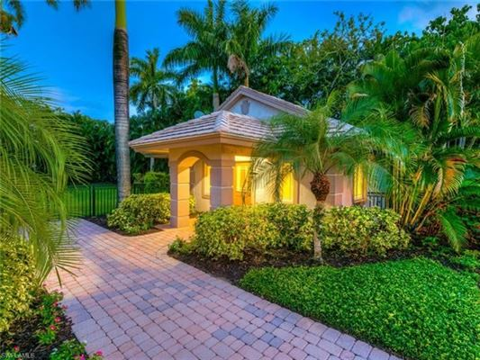Luxury homes in ultimate in privacy in Incredible Riverfront Enclave