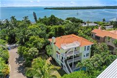 a Gorgeous near beach home  luxury properties